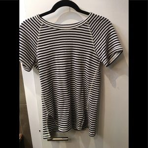 Theory Ribbed Navy and White stripe Tee size small